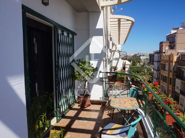 184 m² penthouse with 25 m² terrace for sale in Gran Via