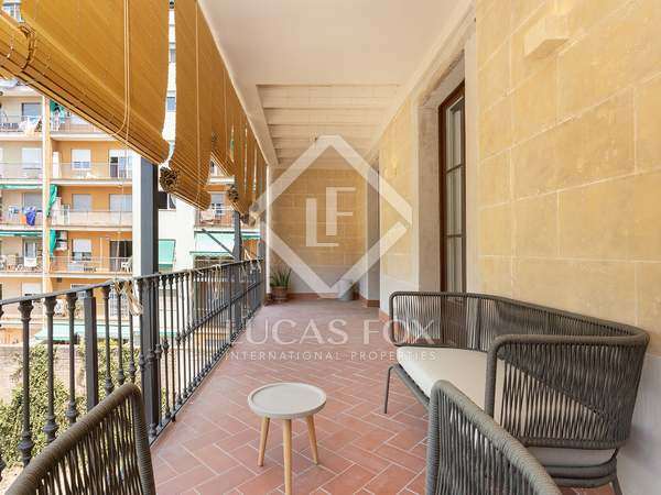 90m² Apartment with 19m² terrace for sale in Eixample Left