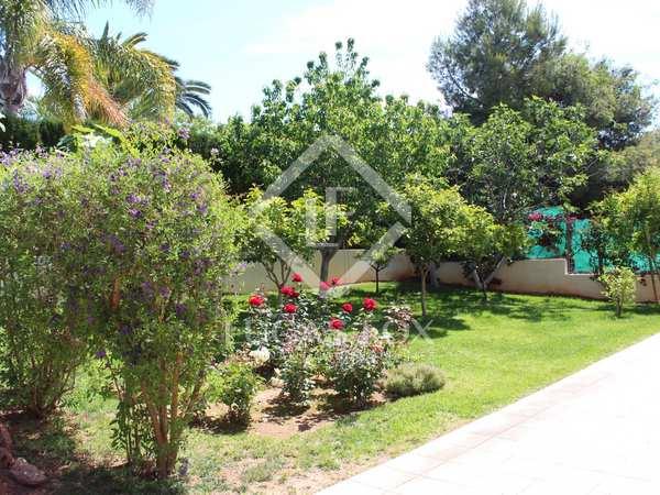 Дом / Вилла 442m², 80m² Сад для краткосрочной аренды в Puzol