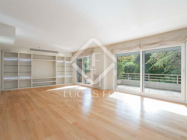 215m² Apartment with 121m² terrace for sale in Tres Torres