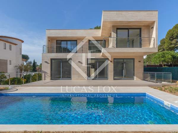 472m² House / Villa for sale in Platja d'Aro, Costa Brava