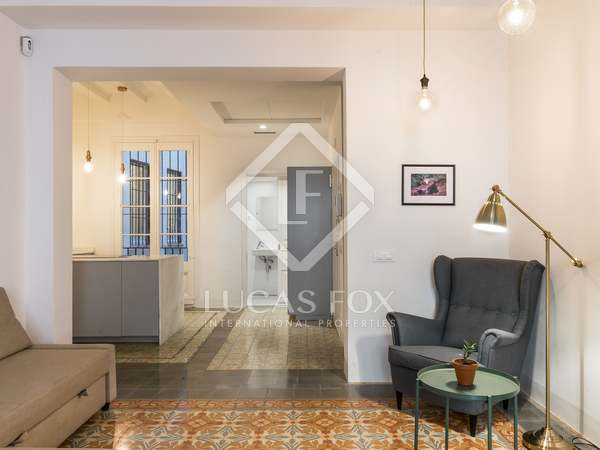 110 m² apartment with a terrace for sale in Gothic quarter