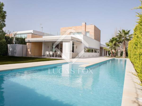 674m² House / Villa with 500m² garden for sale in Alicante ciudad