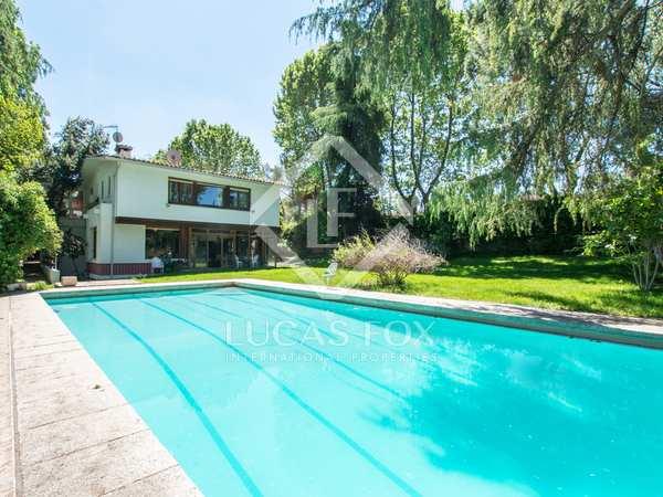 Huis / Villa van 739m² te koop in Pozuelo, Madrid