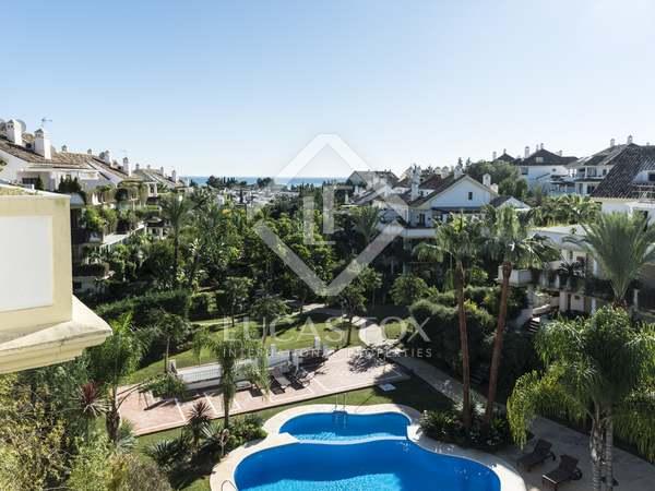 Penthouse de luxe avec vue sur la mer à vendre à Golden Mile à Marbella