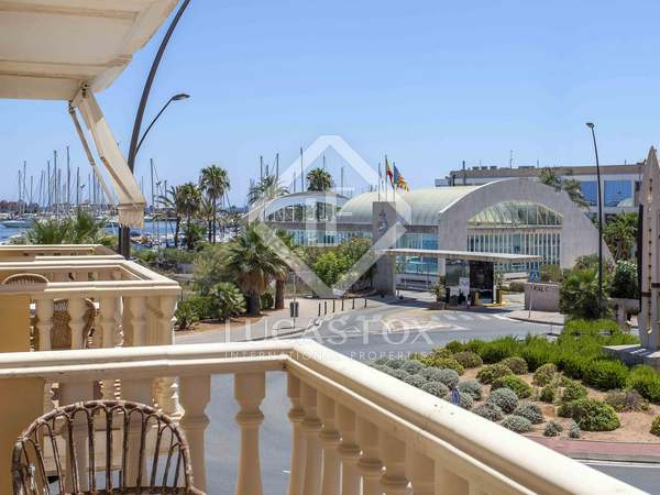 Apartment with views of Denia nautical club for sale