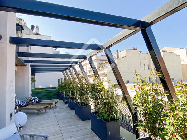 335m² Apartment for sale in Almagro, Madrid