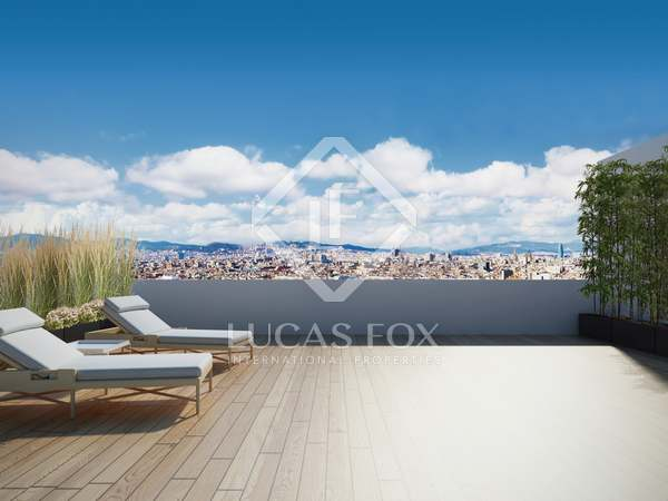183 m² penthouse with a terrace for sale in Eixample Right