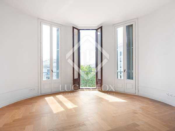 Квартира 141m², 6m² террасa на продажу в Правый Эшампле