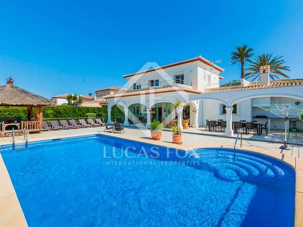 Huis / Villa van 248m² te koop in Jávea, Costa Blanca