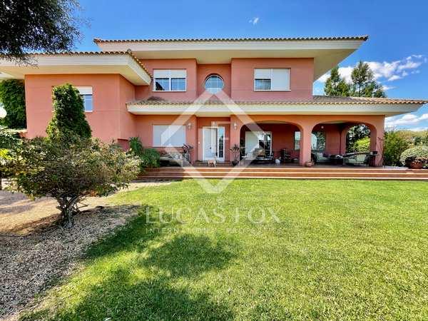 580m² House / Villa for sale in Playa San Juan, Alicante