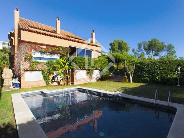 Family home to buy in Vallpineda, Sitges