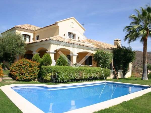Rustic-style golf villa to buy in Lomas de la Quinta