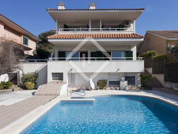 4-bedroom villa for sale in Levantina, Sitges
