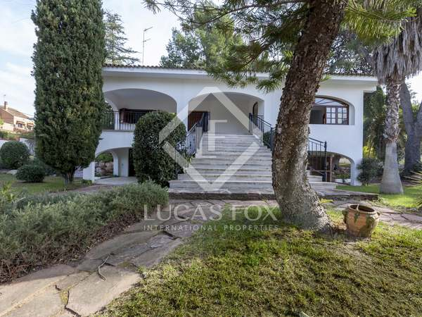 430m² House / Villa with 60m² terrace for sale in Paterna
