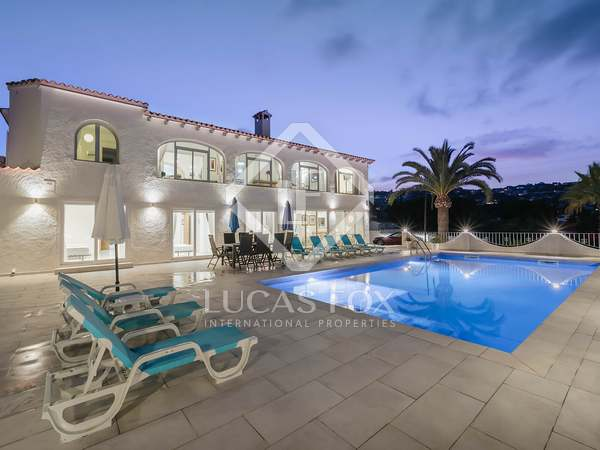 Huis / Villa van 270m² te koop in Jávea, Costa Blanca