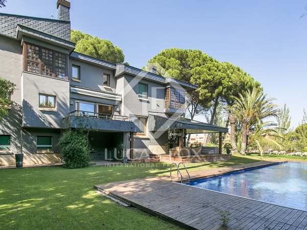 在 Sant Cugat, 巴塞罗那 736m² 整租 豪宅/别墅