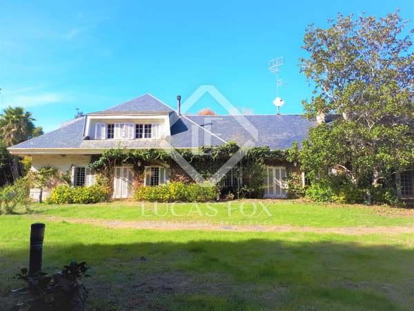 Maison / Villa de 1,547m² a vendre à Godella / Rocafort