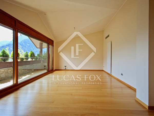 190m² Apartment with 8m² terrace for sale in Escaldes