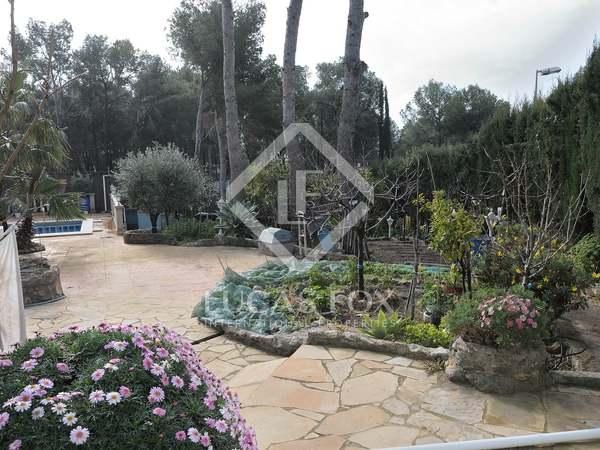 Huis / Villa van 255m² te koop in Montemar, Barcelona