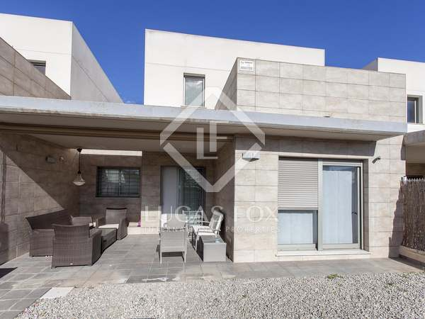 180m² House / Villa with 50m² garden for rent in Bétera