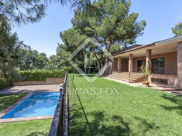 Casa de 883 m² en venta en Godella / Rocafort