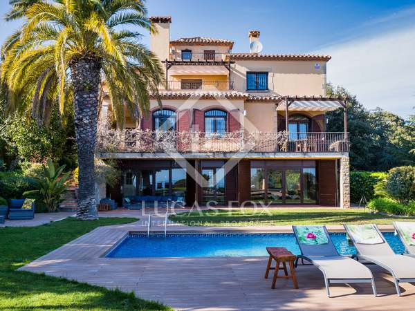 519m² House / Villa with 1,084m² garden for sale in Mataro