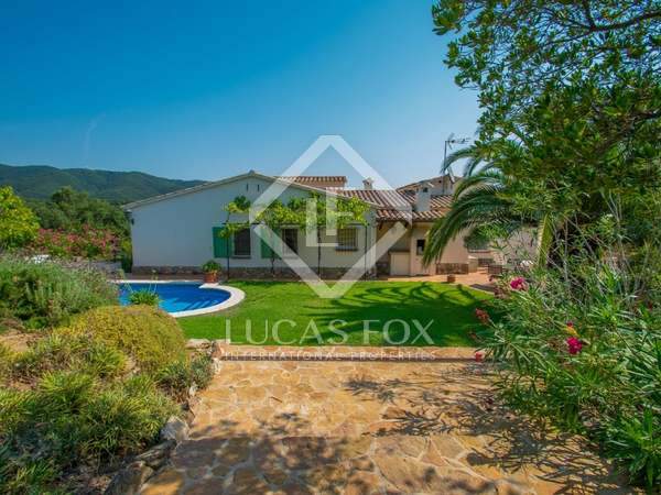 357m² House / Villa with 2,267m² garden for sale in Platja d'Aro