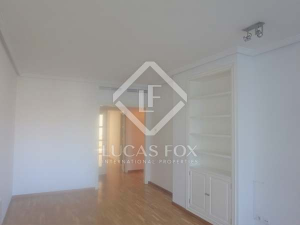 125m² Apartment for rent in El Pla del Real, Valencia
