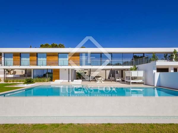 Moderne villa te koop met prachtig uitzicht op zee in Ibiza