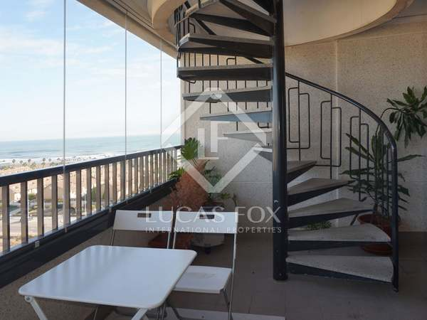 Penthouse with sea views for sale in Playa de la Patacona