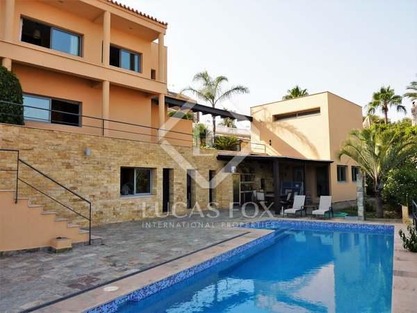 Huis / Villa van 339m² te koop in East Málaga, Malaga