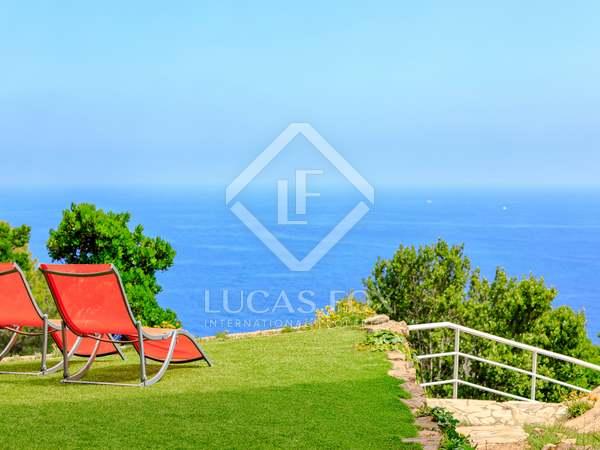 Huis / Villa van 297m² te koop in Llafranc / Calella / Tamariu