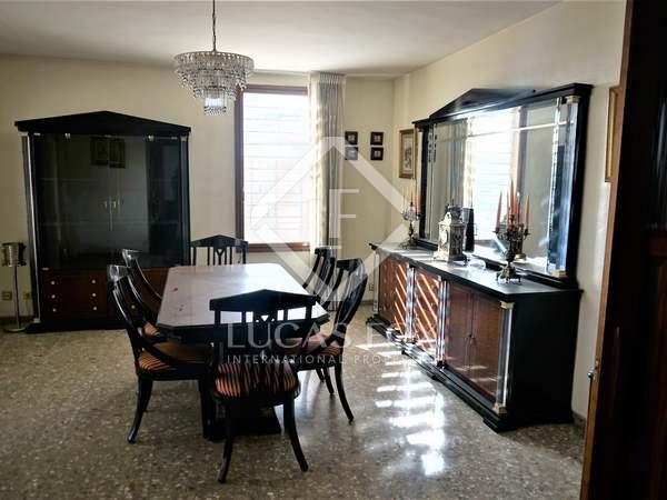 Piso de 265m² en venta en El Pla del Real, Valencia