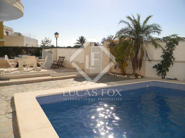 292 m² house for rent in Godella