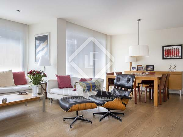 126m² Apartment with 10m² terrace for rent in Eixample Left