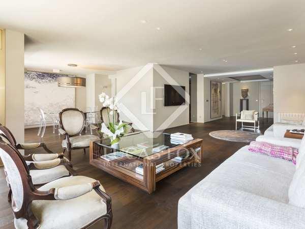 在 Tres Torres, 巴塞罗那 210m² 出售 房子 包括 38m² 露台