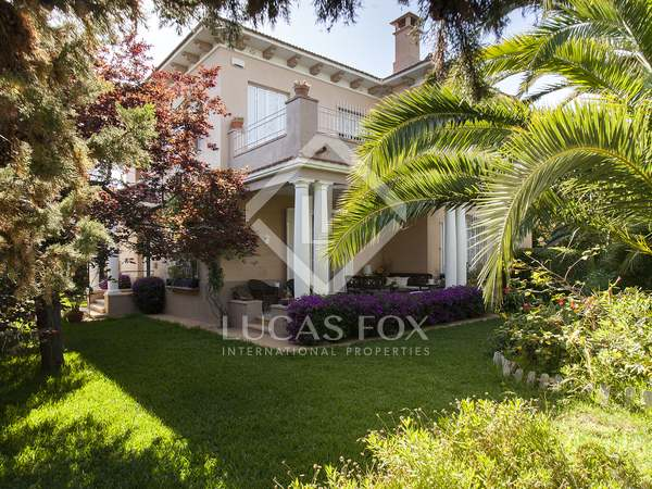 327m² house for sale in Terramar, Sitges