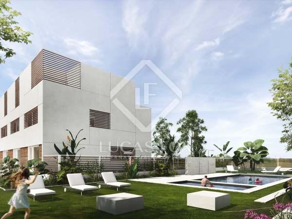 Casa / Villa de 275m² con 265m² de jardín en venta en Gavà Mar
