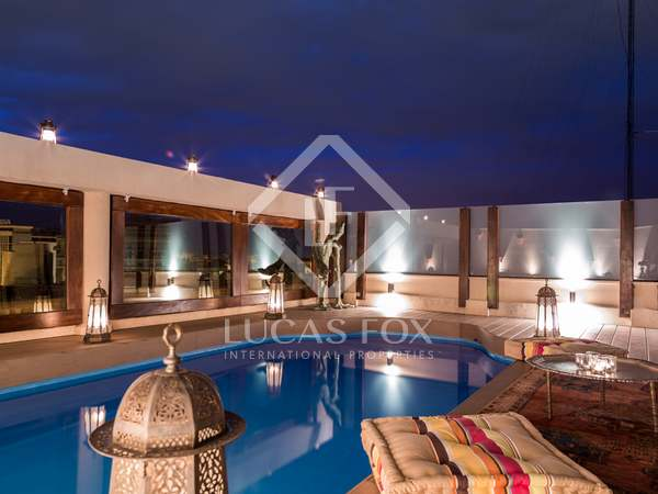 Oriental style penthouse for sale in the centre of Valencia