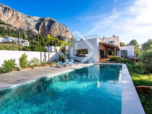 260m² House / Villa for sale in Jávea, Costa Blanca