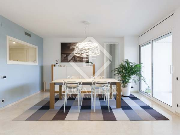 Ático de 220 m² con terraza, en venta en Sitges