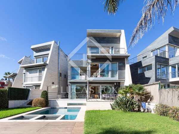 Huis / Villa van 446m² te koop in Gavà Mar, Barcelona
