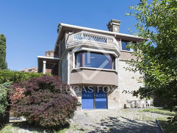 Casa / Vila de 350m² à venda em Vigo, Galicia