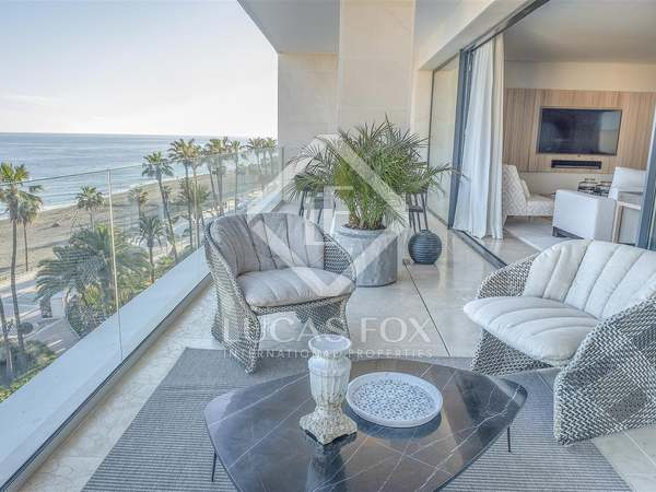 244m² Apartment with 25m² terrace for sale in Estepona