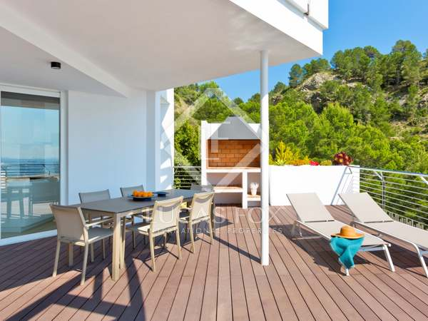 204m² House / Villa with 91m² terrace for sale in Altea