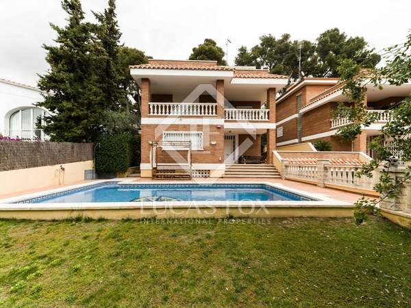 443m² House / Villa for sale in Montemar, Barcelona