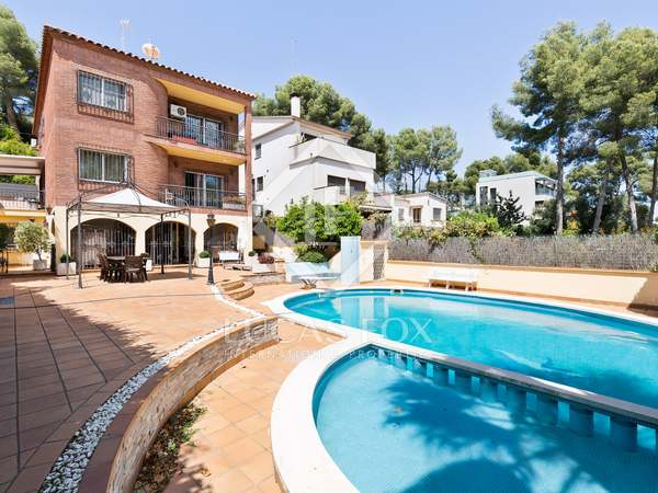 442m² House / Villa for sale in Montemar, Barcelona
