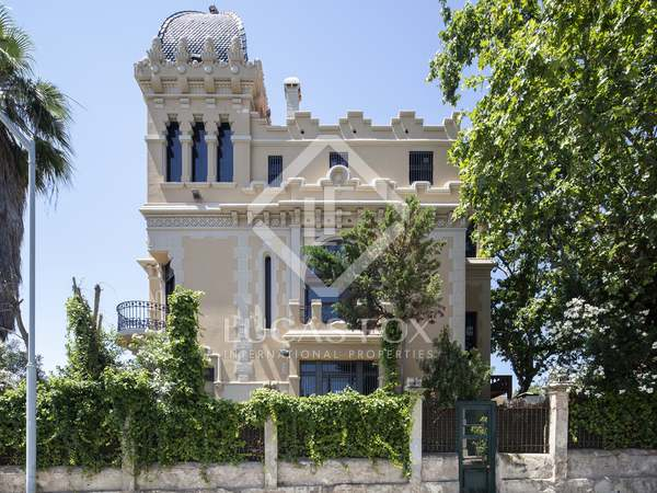 600m² Castle / Palace with 459m² garden for sale in Sant Gervasi - La Bonanova