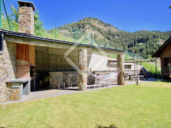 271m² House / Villa with 295m² garden for sale in La Massana